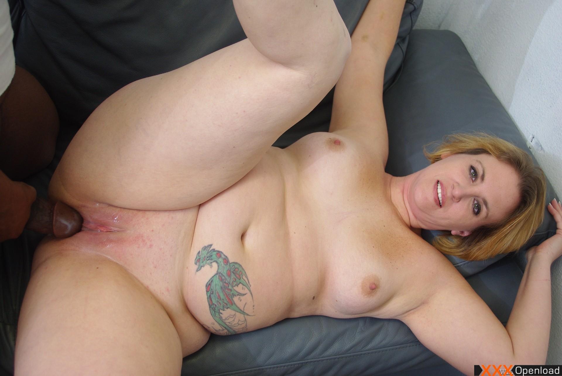 Hot girl flashes vagina