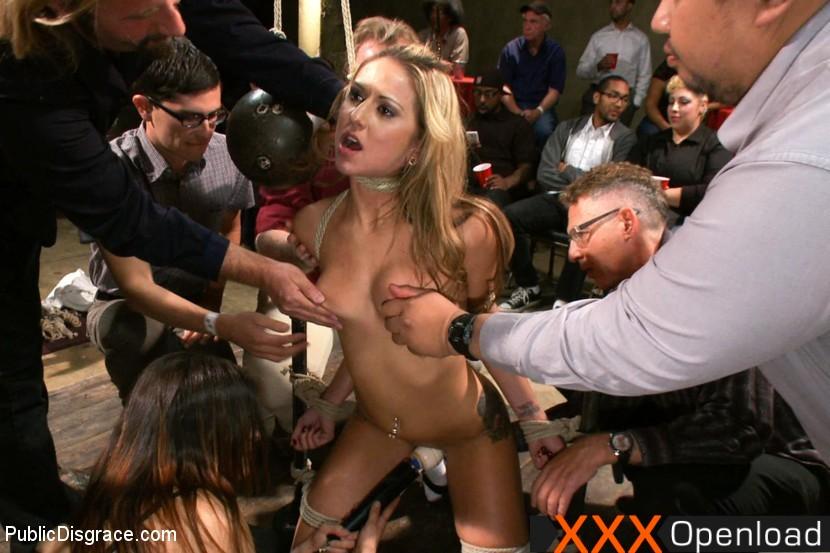 Buffy da body having sex